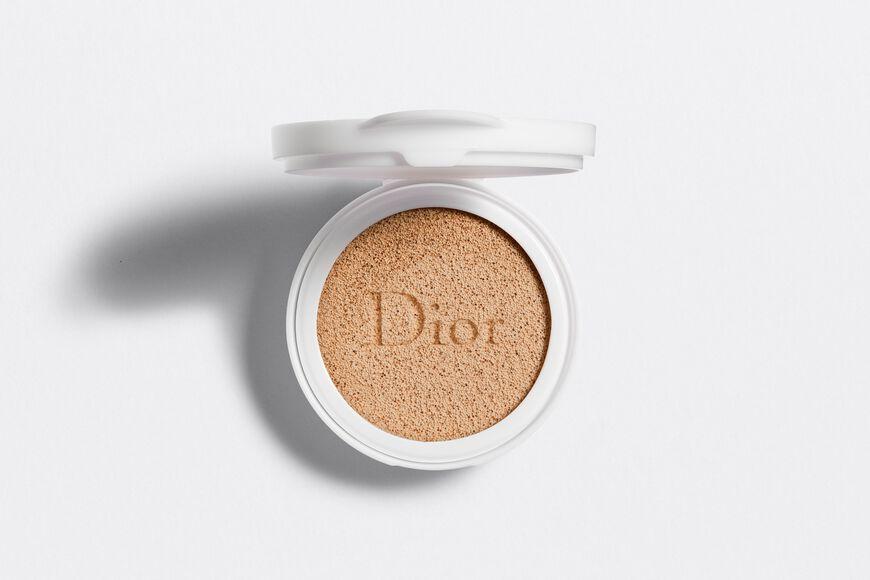 Dior - Capture Dreamskin Dreamskin moist & perfect cushion spf 50 - pa+++ refill Open gallery