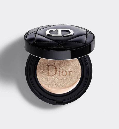 Dior - DIOR超完美水潤光氣墊粉餅 輕盈底妝–24小時超持妝、超保濕–水潤光感妝效–spf50 pa+++