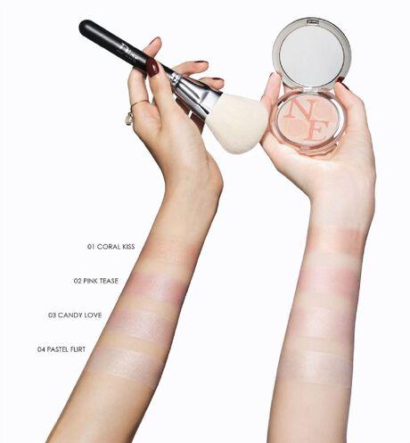 Dior - Diorskin Mineral Nude Glow Brightening & correcting powder - 8 Open gallery