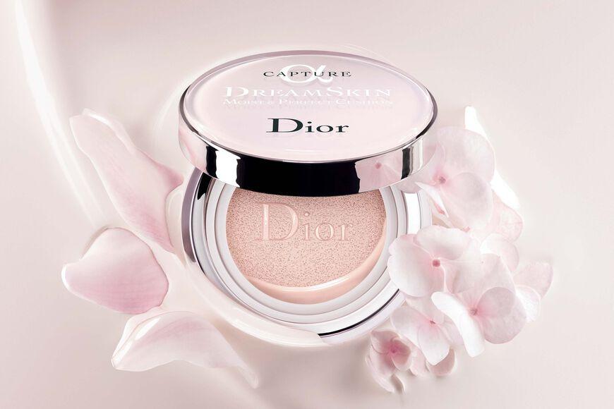 Dior - カプチュール ドリームスキン モイスト クッション #000  SPF50 /PA+++ (本体+リフィル付) いつでも、どこでも、素肌映えするクッション aria_openGallery