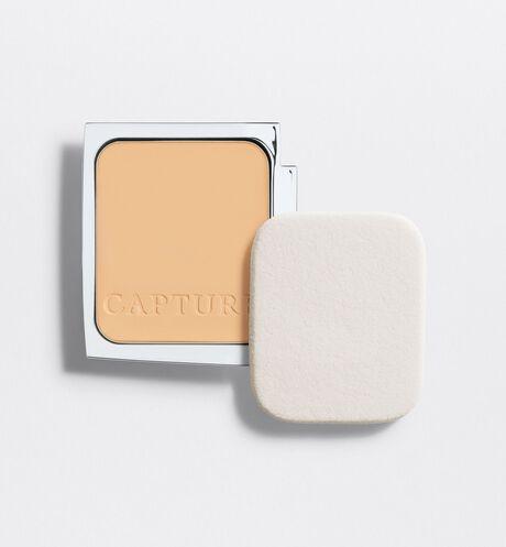 Dior - 逆時完美粉餅蕊心 特殊粉體如注入乳霜般,能夠完美舒適地貼合肌膚