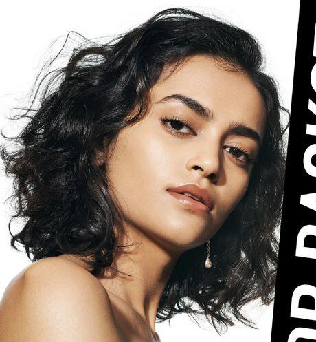Dior - Dior Backstage Face & Body foundation Fond de teint visage et corps, couvrance sur mesure, éclat naturel - 114 Ouverture de la galerie d'images