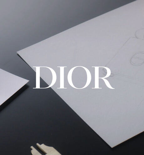 Image product RougeDior Minaudiere -The Atelier of Dreams Limited Edition 3 Open player