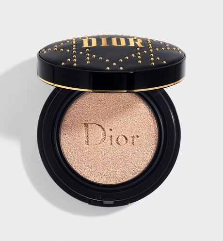 Dior - Diorskin Forever Perfect Cushion - Studded Cannage Cushion Perfect fresh makeup - everlasting luminous matte finish - pore-refining effect