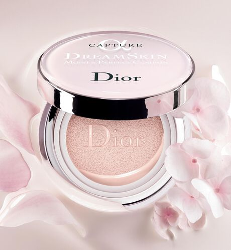 Dior - 梦幻美肌 柔润修颜气垫霜 spf50+ pa+++