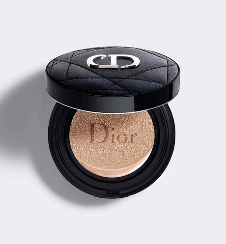 Dior - 迪奧超完美柔霧光氣墊粉餅 24小時超完美持妝─保養級輕盈底妝─24小時超持久保濕─spf35 pa+++