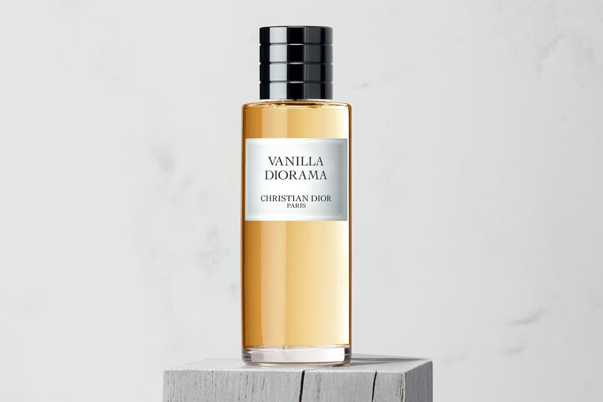 Dior - Vanilla Diorama Fragrance Open gallery