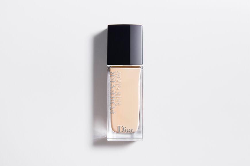 Dior - ディオールスキン フォーエヴァー フルイド グロウ (SPF35/ PA++) 1日中続く、内から輝くようなセミグロウ肌を叶える、86%(*)スキンケアベースのリキッド ファンデーション - 4 aria_openGallery