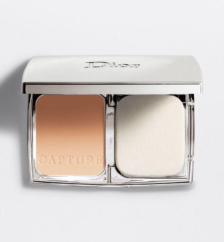 Dior - 逆時完美粉餅 特殊粉體如注入乳霜般,能夠完美舒適地貼合肌膚