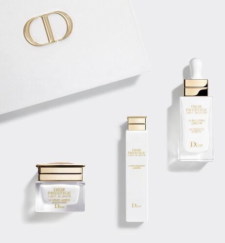 Dior - プレステージ ホワイト コフレ (数量限定品) 理想な光反射を叶え、ワンランク上の若々しい艶肌に導くプレステージ ホワイトをラインで試せるコフレ