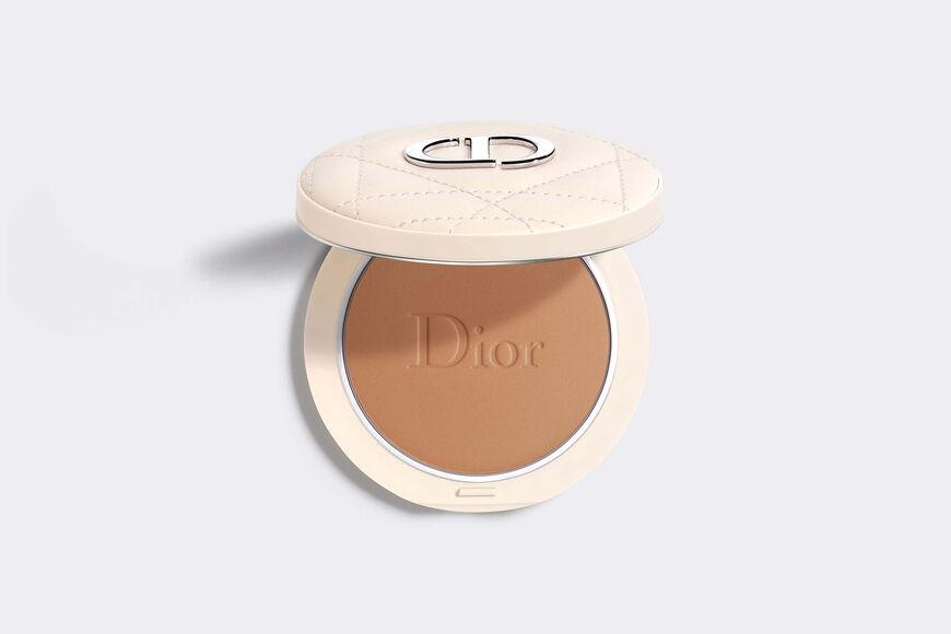 Dior - Dior Forever Natural Bronze Healthy glow bronzing powder - 95% mineral-origin pigments - 13 Open gallery
