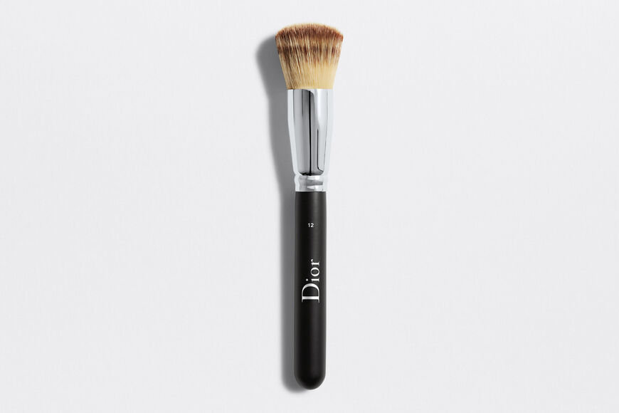 Dior - Dior Backstage Full Coverage Fluid Foundation Brush N°12 Full coverage fluid foundation brush n°12 Open gallery