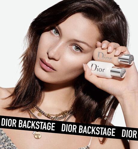Dior - Dior Backstage Face & Body foundation Fond de teint visage et corps, couvrance sur mesure, éclat naturel - 118 Ouverture de la galerie d'images