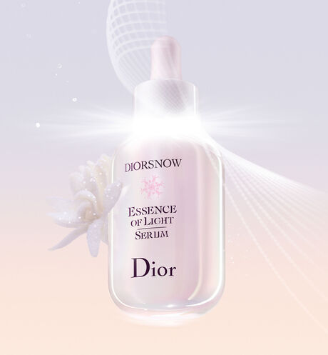 Dior - Diorsnow Essence Of Light Serum Pure concentrate of light - brightening milk serum