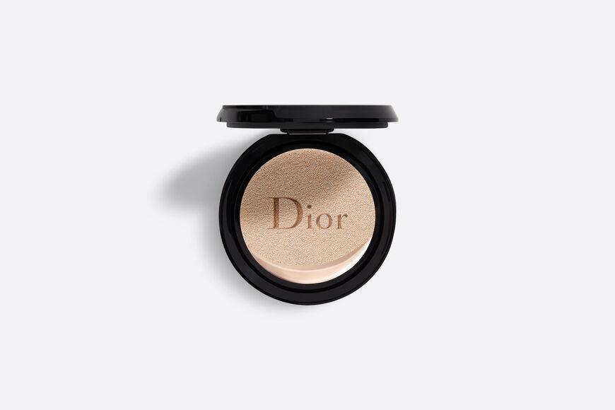 Dior - DIOR超完美水潤光氣墊粉蕊 輕盈底妝–24小時超持妝*、超保濕**–水潤光感妝效–spf50 pa+++ aria_openGallery