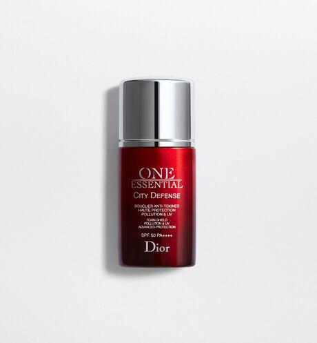 Dior - One Essential City defense toxin shield pollution & uv advanced protection spf 50 pa++++