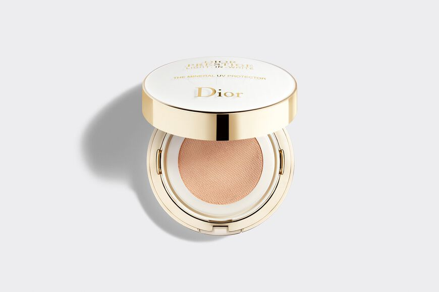 Dior - Dior Prestige Light-In-White The mineral uv protector blemish balm compact spf 50+ pa+++ Open gallery