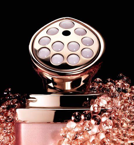 Dior - DIOR精萃再生玫瑰微導眼凝萃 微導賦活、緊緻雙眸、重現亮眼神采 - 3 aria_openGallery