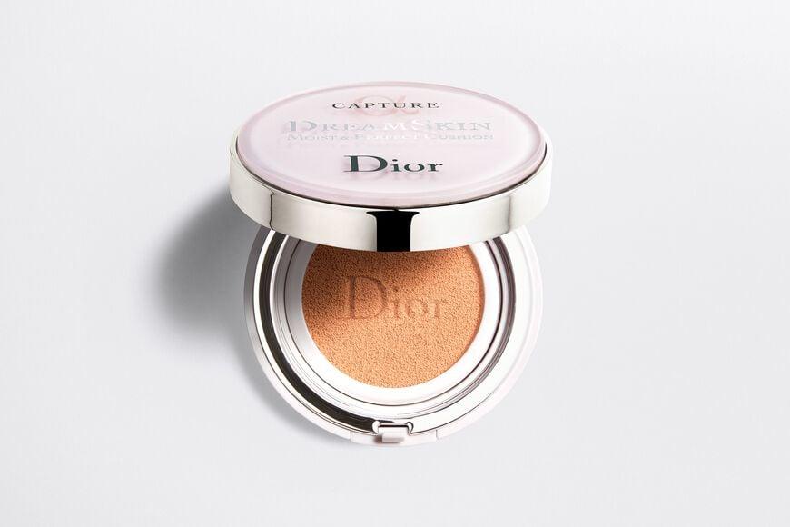 Dior - カプチュール ドリームスキン モイスト クッション SPF50 /PA+++ (本体+リフィル付) いつでも、どこでも、素肌映えするクッション aria_openGallery