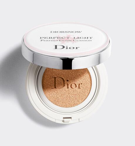 Dior - ディオール スノー スノー パーフェクト ライト クッション spf 50-pa+++