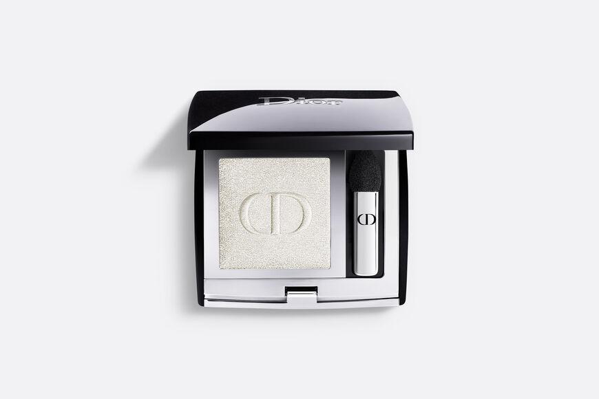 Dior - モノ クルール クチュール メゾンを象徴するカラーと生質感の5つの仕上がりで目元をドレスアップするクチュール モノ アイシャドウ aria_openGallery