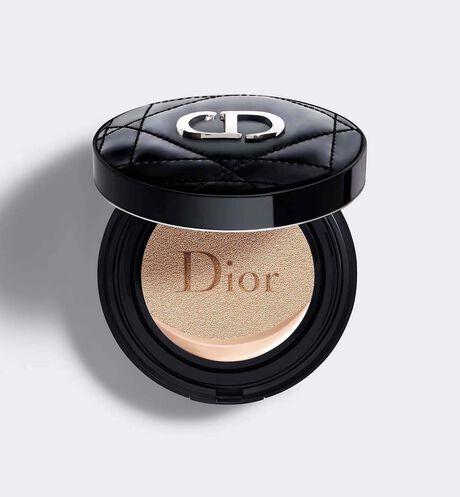 Dior - ディオールスキン フォーエヴァー グロウ クッション (SPF50/PA+++) 1日中つづくルミナス グロウの仕上がり - 輝きとうるおいが続くクッション ファンデーション