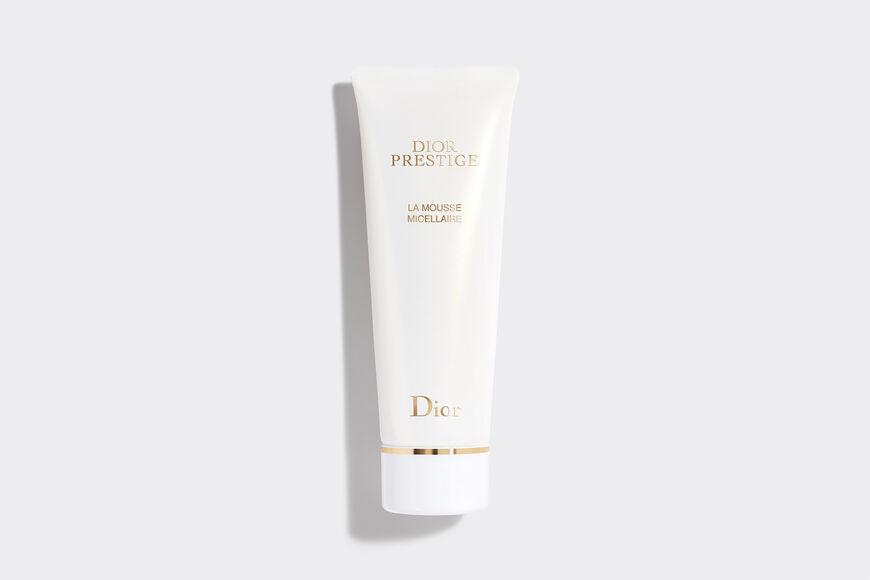 Dior - Dior Prestige La Mousse Micellaire Очищающее средство для лица — Текстура мусса — Чрезвычайно мягкое aria_openGallery