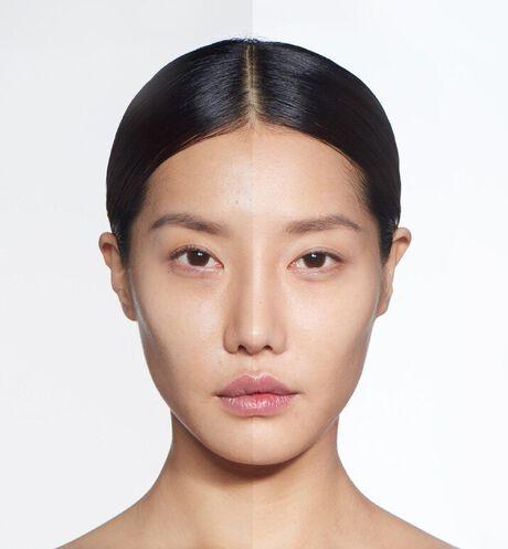 Dior - カプチュール ドリームスキン モイスト クッション #000  SPF50 /PA+++ (本体+リフィル付) いつでも、どこでも、素肌映えするクッション - 2 aria_openGallery