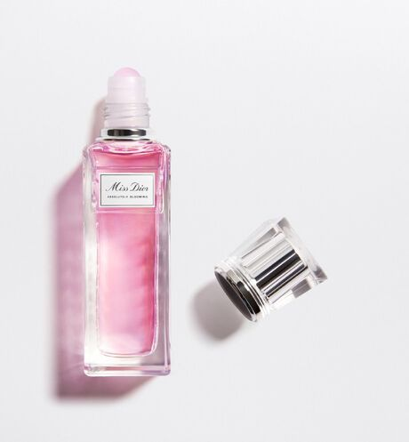Dior - Miss Dior Absolutely blooming roller-pearl - 2 Open gallery
