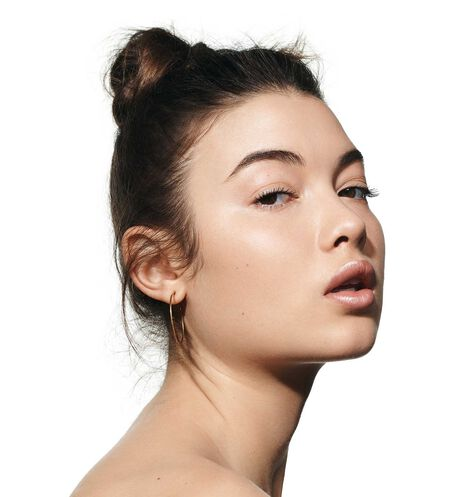 Dior - Dior Backstage Face & Body Foundation Face and body foundation - 18 Open gallery