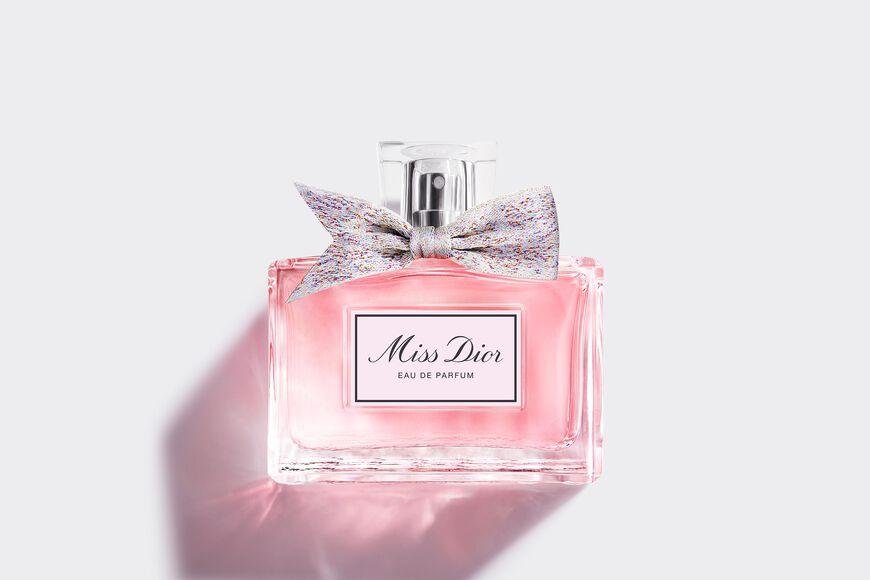 Dior - ミス ディオール オードゥ パルファン フレッシュ & センシュアル フローラル - 6 aria_openGallery
