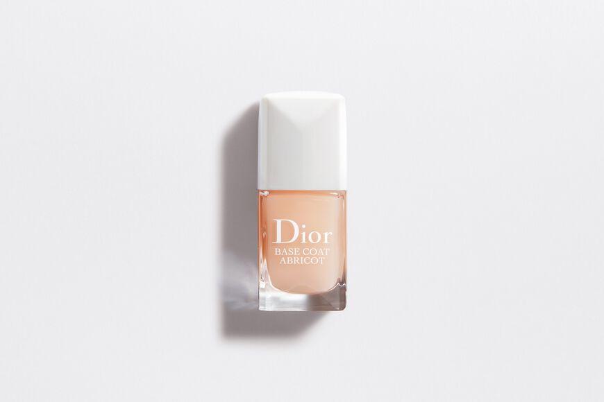 Dior - 迪奧基底護甲油 宛如指甲的防護隔離霜,為甲彩創造持久飽和的色澤。 aria_openGallery