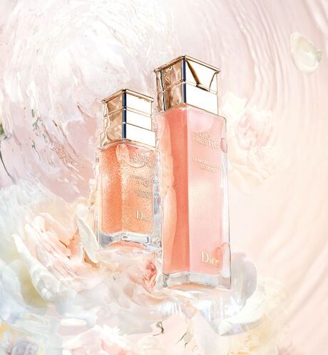 Dior - Dior Prestige La micro-lotion de rose - 4 Open gallery
