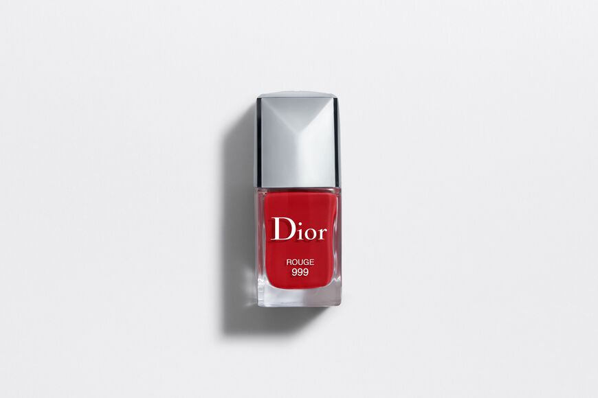 Dior - DIOR VERNIS Couture color, gel shine, long wear nail lacquer Open gallery