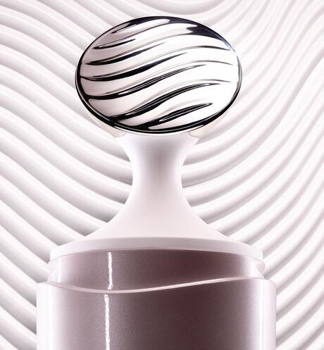 Dior - Capture Totale Super Potent Eye Serum Super eye contour serum - total anti-fatigue age-defying eye serum - 3 Open gallery