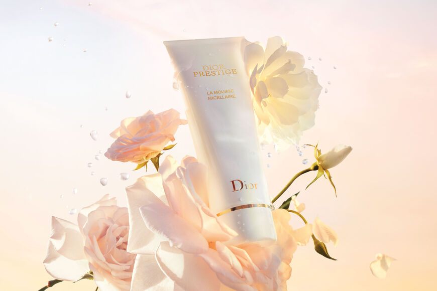Dior - Dior Prestige La mousse micellaire - face cleanser - foam texture - exceptionally gentle Open gallery